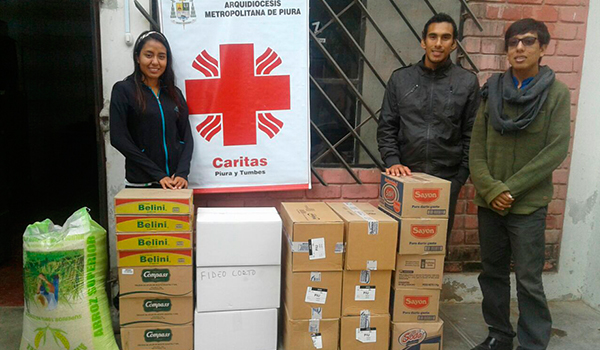 Ayuda-de-Cáritas-a-personas-desamparadas-6