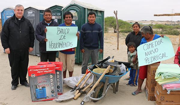 Entrega-de-ayuda-a-campamentos-de-damnificados-12