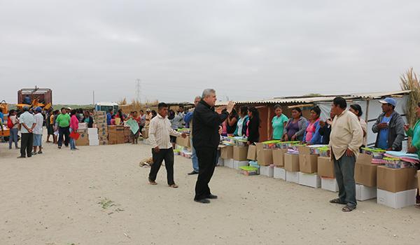 Entrega-de-ayuda-a-campamentos-de-damnificados-15