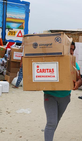 Entrega-de-ayuda-a-campamentos-de-damnificados-24