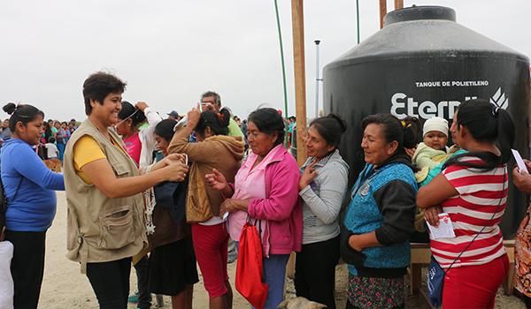 Entrega-de-ayuda-a-campamentos-de-damnificados-5