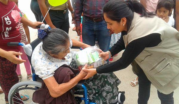 Entrega-de-ayuda-a-centros-de-salud-3
