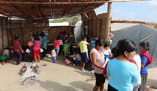 Entrega-de-ayuda-a-comedores-en-campamentos-22