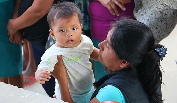 Entrega-de-ayuda-en-Juan-de-Mori-y-Pozo-de-los-Ramos-913jpg