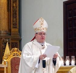 Arzobispo saluda a los periodistas en su día