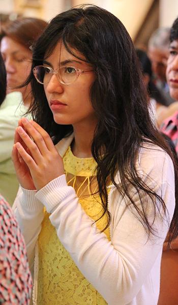 gente-rezando-5
